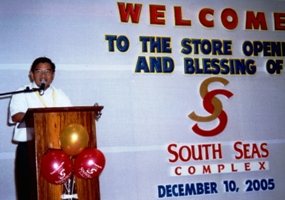 Cotabato City Mayor Muslimin Sema gives a speech at the inauguration of South Seas Mall.